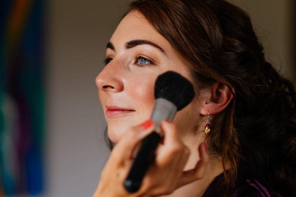 Bride final makeup touches