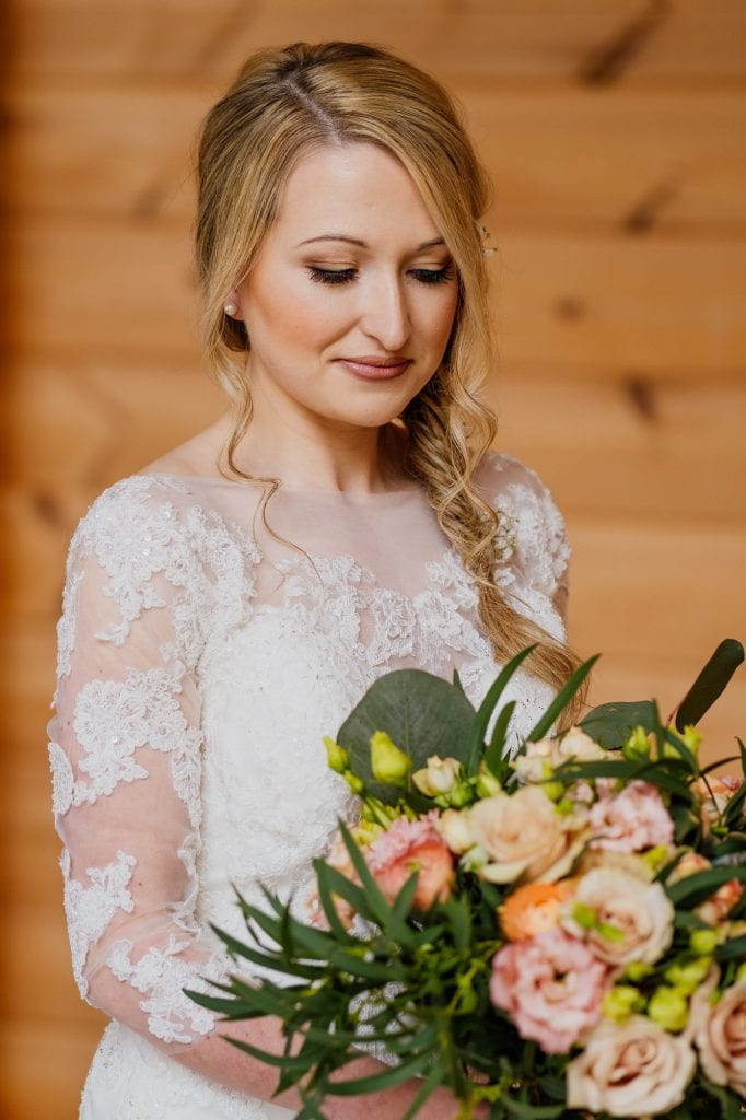 bride wedding portrait with flowers